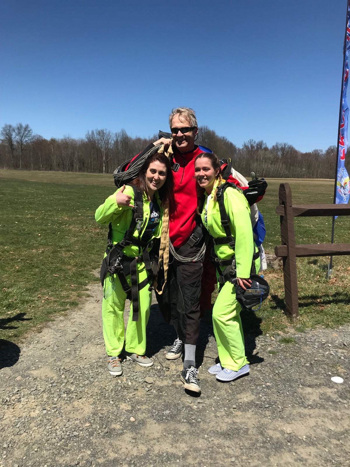 Stefania Riccitelli, Becky Bova - skydiving photo
